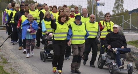 Tjukkaser: Gjengen i Brumunddal feiret både seg sjøl og Frøydis Viddal på tur denne uka. Foto: Ivar Bae