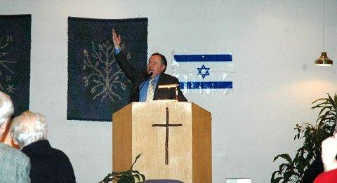"""STØTTER KRIGEN: Charles Hansen og organisasjonen """"Ordet og Israel"""" mener det som står i bibelen er sant, og mener derfor at det ikke blir fred i Midtøsten før jødene får hele landet sitt. Han har forståelse for at Israel gikk til massiv krig mot palestinerne på Gazastripen på nyåret. FOTO: SIMEN AKER GRIMSRUD"""