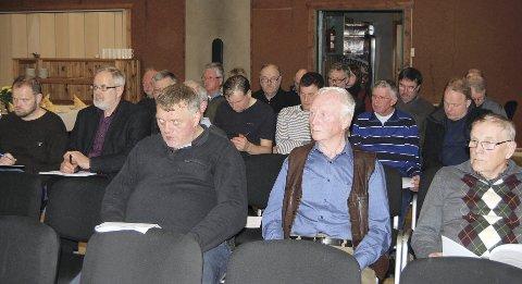Årsmøte: 27 personer var tilstede på årsmøtet i Veldre Viltområde på Brumundheimen,  det forsatt er rundt 40 grunneiere som er utmeldt og som venter på godkjenning av nye vedtekter. Foto: Sverre Evensen
