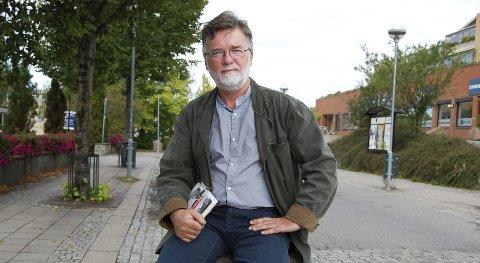 Boklansering: - Det er altfor mange uklarheter rundt dødsfallet ved hotellet i København, sier forfatteren Jan Lindh. Sannheten om varsleren Jan Wiborg er en annnen enn den Smith-kommisjonens rapport konkluderer med.