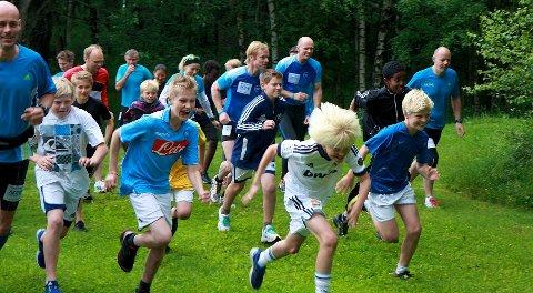 De yngste gutta ga alt for å posisjonere seg i starten - til tross for at det kun var et testløp. Stas å ligge i tet foran selveste Bjørn Dæhlie, må vite.