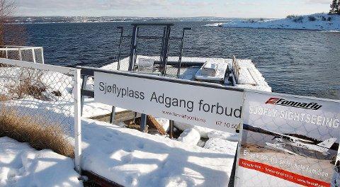 STILLE: Det er stille utenfor Sjøflyhavna Kro nå. Coronet Norge søker om konsesjon for 40 flybevegelser i uken.