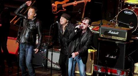 Bruce Springsteen (til venstre), Little Steven og Southside Johnny er gamle kompiser. Søndag er alle tre i Norge, og sistnevnte spiller i Fredrikstad.