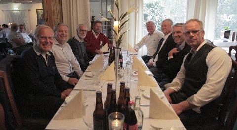Hoppmimring: Fra venstre: Arne Scheie, Per Bergerud, Johan Sætre, Hans Olav Rønneseth, Nils Livland, Odd Grette, Ole Gunnar Fidjestøl og Arne Thorberg. Foto: Lars Bryne