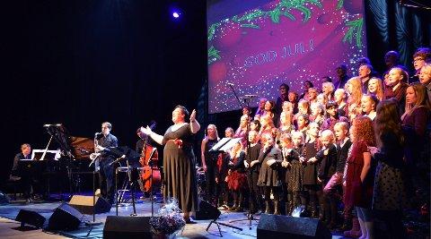 Gospelkoret Gregos med barnegospelkoret Lotus og Schow trio holder julekonsert i Kolben. ALLE FOTO: KRISTINE PINANEZ