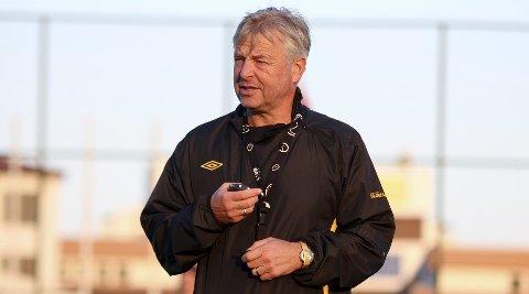 Arne Erlandsen, trener i MFK.