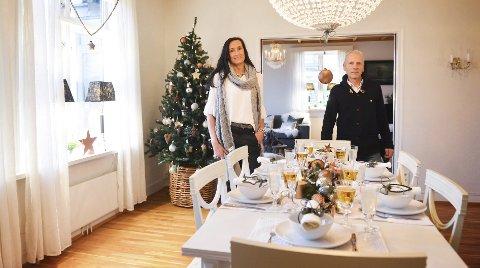 Har du mellom 5.000 og 20.000 kroner til overs i julestria, kan du bruke pengene på å få huset ditt fiks ferdig julepyntet. Lise Johansen og Yngvar Fevang i Pene Rom Boligstyling AS er klare for å gjøre jobben for deg.