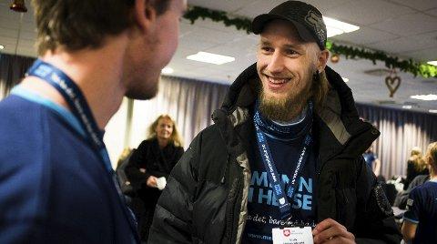 Eirik Mæhlum (26) ser fram til tre måneders praksis i Bratromveien bofellesskap for demenspasienter. – Jeg har stor respekt for eldre og tror jeg vil trives der, sier Eirik.