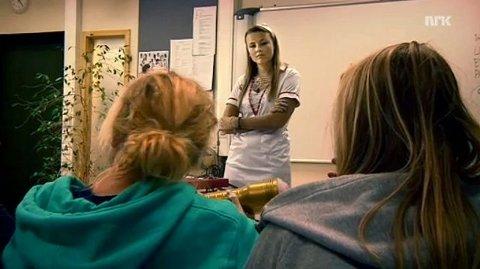 Trekant-programleder Marie Klinge underviser Bleiker-elever.