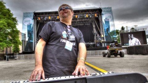 Kai er klar: Festivalsjef Kai Gustavsen er godt forberedt til konserten med Stevie Wonder lørdag. Foto: Bjørn Isaksen