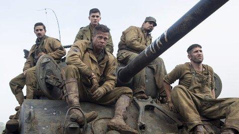 Brad Pitt som Don «Wardaddy» Collier med sin fryktede stridsvognpatrulje. Men de amerikanske Sherman-tanksene er underlegne de tyske Tiger-stridsvognene.