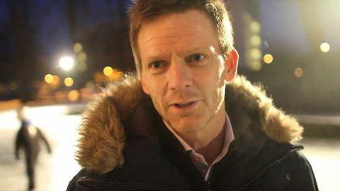 Ordfører Tage Pettersen (H) vil ha kunstis i sentrum.