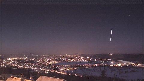 Fredag morgen kunne man se denne ildkulen over Bærum.