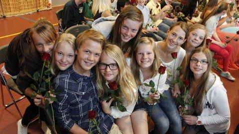 Elevene (f.v) Gabrielle Dargyte, Kathrine Lippert, Eilef Tandberg, Iben Vright, Kornelia Ruberg, Aurora Langeland Lund, Henriette Ramberg, Sigrid Bredde Vig og Amanda Kruke Røysi.