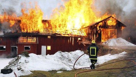 Bildet er fra en øvelse tidligere i år, men for å nå ut i tide ved brann, ønsker MOVAR faste brannvakter i Vestby og Råde.