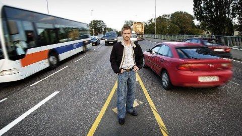 Infotavler på E6 og E18 vil kun ne bidra til å redusere trafikkbelastningen på Moss og Horten, mener ordfører Tage Pettersen.
