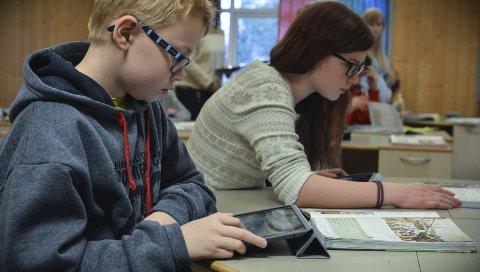 Konsentrasjon: På Skrim ungdomsskole har elevene brukt nettbrett siden 2011.FOTO: JENNY ULSTEIN