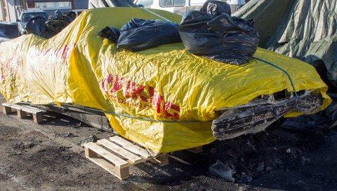 Bilen som brant har blitt undersøkt av kriminalteknikere Skjærtorsdag for å finne brannårsaken.