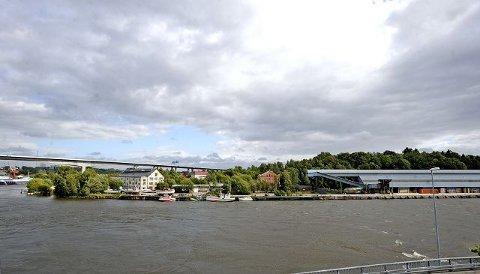 Store planer Her starter planområdet ved elven, og så strekker det seg opp til lereuttaket til Norsk Leca. alle Fotos: Geir A Carlsson