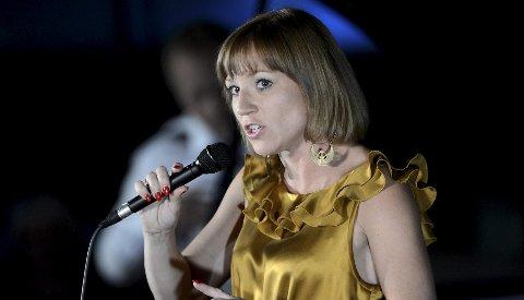 Vakkert: Heidi Gjermundsen sang Prøysen og Hagerup tekster søndag kveld. foto: geir a carlsson