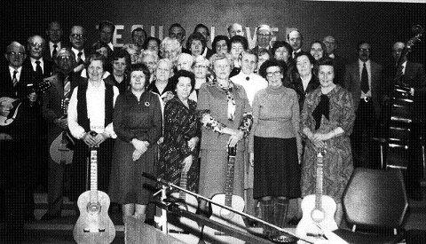 <B>BETANIAMUSIKKEN: S</B>ang og musikk har alltid stått sterkt i frimenighetene. Dette bildet er hentet fra Betania på 1970-tallet.