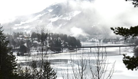 Her på Norefjord går starten for triatlonkonkurransen med 1.500 meter svømming i Norefjord.