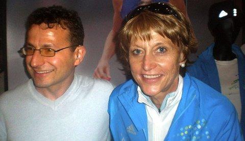 Bedir Yiyit møtte Grethe Waitz i New York. Hun har rekorden med ni seire i New York Marathon. foto privat