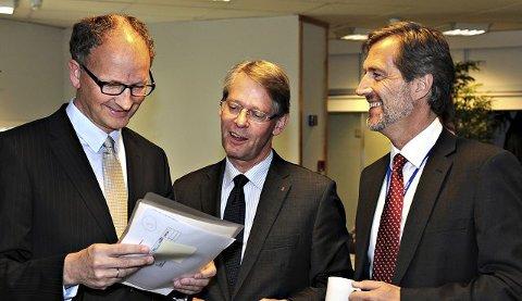 KOG generalforsamling: Fra v. finansdirektør Hans Jørgen Wibstad, styreleder Finn Jebsen og konsernsjef Walter Qvam.FOTO: STÅLE WESETH
