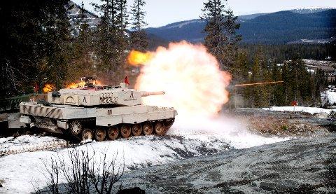 2A4 avfyrer 120mm granaT