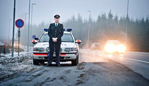 TOK FLERE VERSTINGER:  Troppene til distriktsleder Stein-Olaf Røberg i UP Follo og Østfold tok flere trafikksyndere i fjor i forhold til 2011.  FOTO: CHRISTIAN CLAUSEN