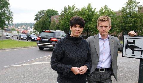 Både Irene Johansen (Ap) og ordfører Tage Pettersen etterlyser Statens vegvesens utredning om transportforholdene i Moss og deler av Rygge.