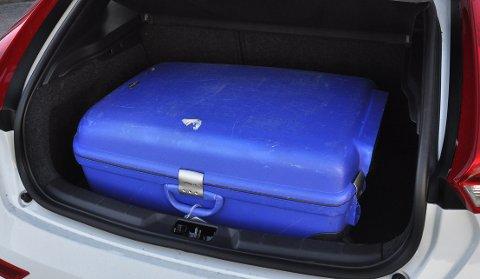 Bagasjerom på brutto 335 liter er blant de minste i klassen.