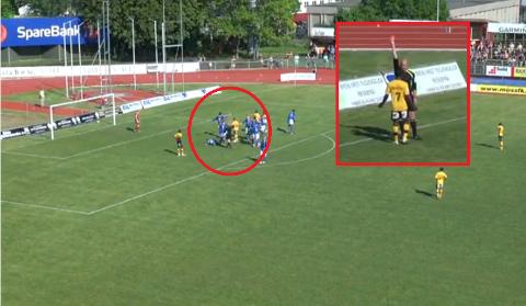 Emmanuel Amarh ble utvist helt på slutten av 1. omgang etter at en Kjelsås-spiller ble liggende nede i 16-meteren (innringet).