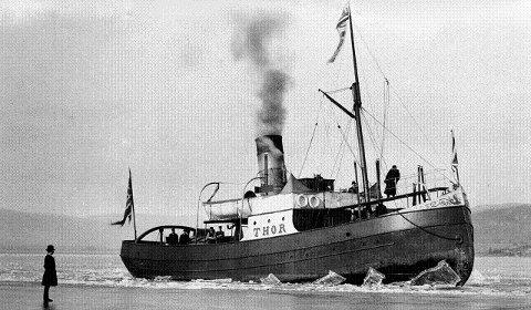 ISREVOLUSJON: I 1889 gikk havnevesenet til innkjøp av dampisbryteren «Thor» som kunne holde havna åpen om vinteren.