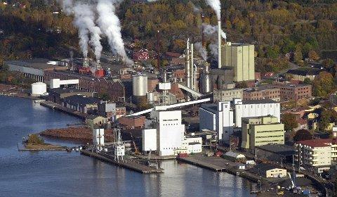 Peterson Paper AS betalte en million kroner i måneden i husleie til Høegh Eiendom for å være på fabrikkområdet.