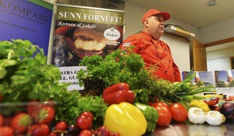 Kokk John Tore Frydenlund fikk hjerteproblemer på grunn av dårlig kosthold. Nå lærer han andre hvordan man med god mat kan oppnå en varig livsstilsendring.