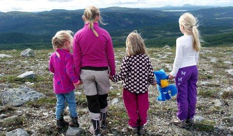 Sommeren er den beste årstiden for å introdusere de minste for fjellets gleder.