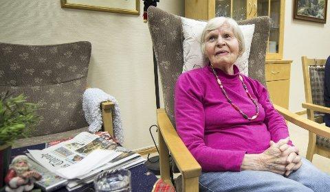 TRIVES GODT: – Dette baketiltaket var toppen på kransekaka, sier sykehjemsbeboer Sigrid Lau.
