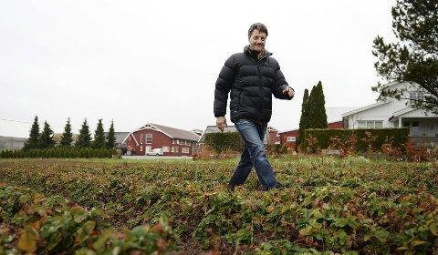 Bonde Hans Jacob Fosaas, som forvalter store jordbruksverdier på Nøtterøy, mener idealister i jordbruket kan brenne seg ut.