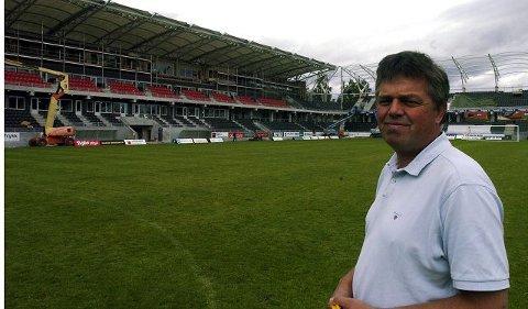VIP-er I KØ: Tore Løvås skal selge inn 600 VIP-pakker på den nye tribunen. Hittil har han solgt over 400 seter, og han har god tro på at setene blir utsolgte.