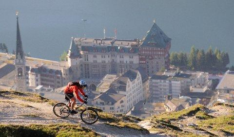Hele landet er svært godt tilrettelagt for syklister. Bildet er fra St. Moritz.