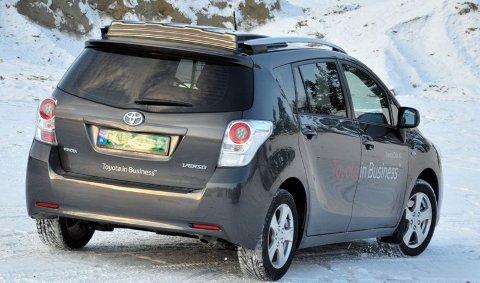 GRØNN: Toyota Verso, nå også som lavskattet varebil med grønne skilt. (Foto: Øivind Skar)