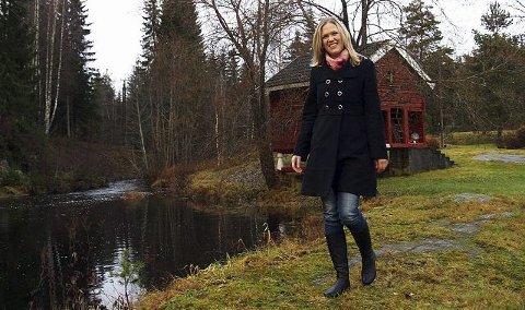 Aslaug Aamodt Muggerud fra Drolsum forsker på brystkreft. Nå kan hun titulere seg som doktor. Foto: Stig Odenrud