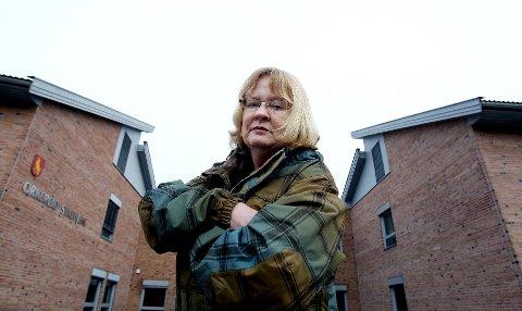 - Vi vil foreslå at det opprettes et vikarbyrå i regi av Moss kommune, sier May Hansen (SV). Hun tror det vil sikre vikarer og ansatte på sykehjemmene ryddige arbeidsforhold.