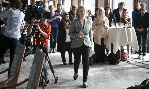 Oslo først: PST-sjef Benedicte Bjørnland var blant deltakerne på det første dialogmøtet mot ekstremisme som ble holdt i rådhuset i Oslo 1. september. Foto: Heiko Junge / NTB scanpix