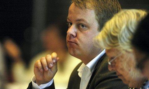 Fremskrittspartiets Erlend Wiberg rister på hodet over at oppgraderingen av Melløs har fått en prisplass på rundt 47 millioner kroner. Dette mener han er penger Moss kunne fått en ny stadion for.