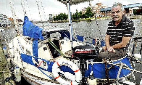Da Bjørn Jansen (64) var i tjueårene, leste han reiselitteratur og drømte selv om å reise jorden rundt. Nå har han gjort det i den 30 fot lange båten Josephine, en Amigo 40. Han la ut i juli 2005, og seilte inn i Fredrikstad forrige uke, seks år senere.