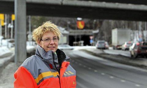 – Dette arbeidet har vært mer komplisert og krevende enn vi først antok, forklarer lederen i Statens vegvesen i Østfold, Turid Stubø Johnsen.