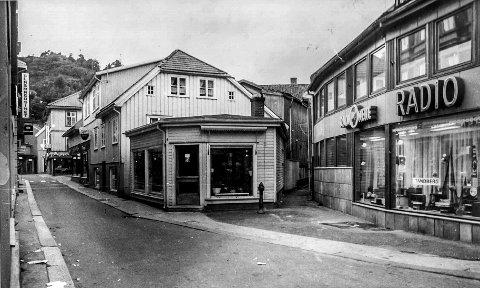 988f653a Storgata på 1970-tallet: Bildet forteller mye by- og butikkhistorie. Et av