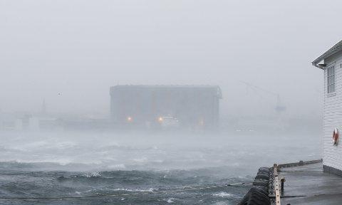 Mulig: Meteorologisk institutt understreker at varselet må betraktes som anslag på potensialet.  Her fra stormen desember 2013. Arkivfoto: Alf-Robert Sommerbakk